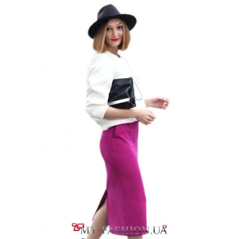 Классическая юбка-карандаш малинового цвета