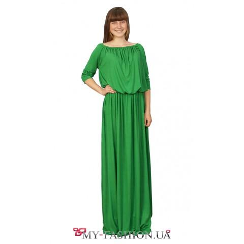 Зелёное трикотажное платье максимальной длины