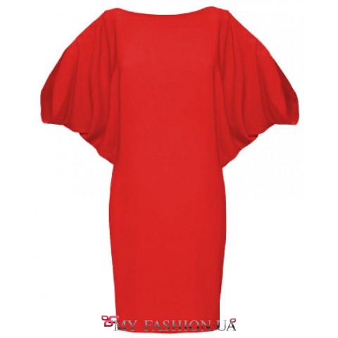 Асимметричное платье красного цвета с узкой юбкой