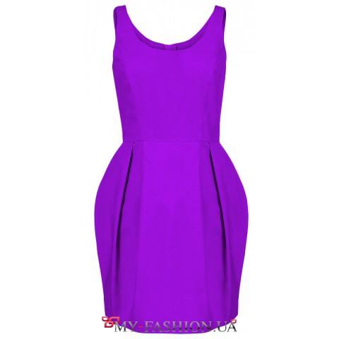 Коктейльное платье средней длины малинового цвета