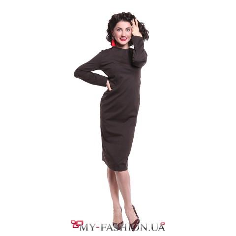 Платье приталенного силуэта с открытой спинкой