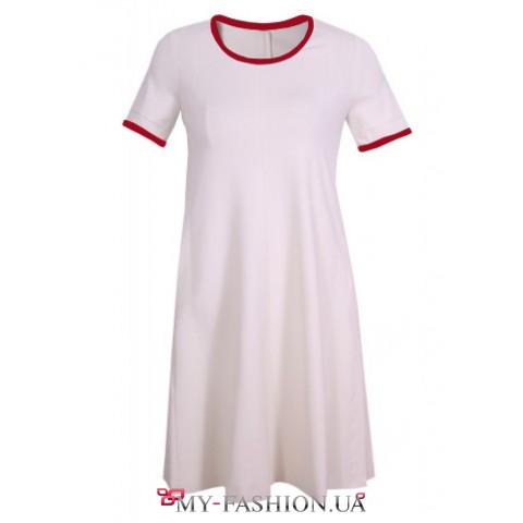 Белое короткое платье А-образного силуэта