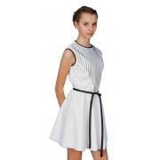 Короткое платье молочного цвета с поясом