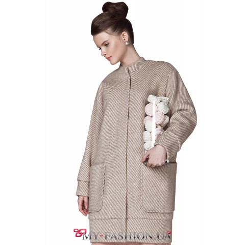 Женское тёплое пальто с манжетами