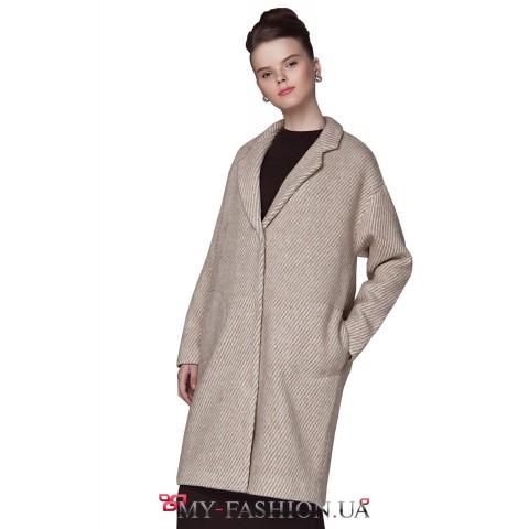 Светлое демисезонное женское пальто