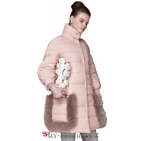 Зимнее женское пальто с меховой отделкой