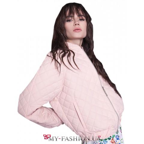 Женская куртка цвета пудры