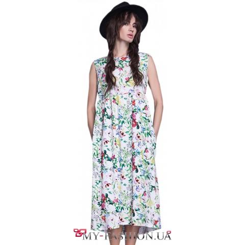 Летнее платье средней длины с открытой спиной