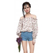 Лёгкая летняя блузка с воланом и объёмным рукавом