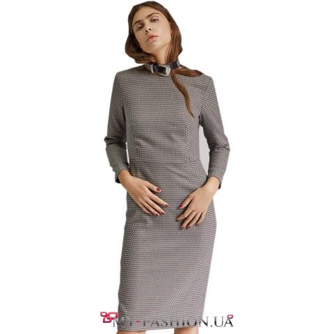 Строгое платье-футляр на вискозной подкладке