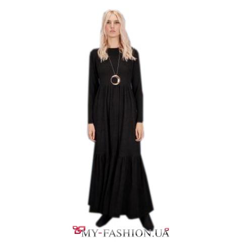 Длинное повседневное платье с трехъярусным воланом