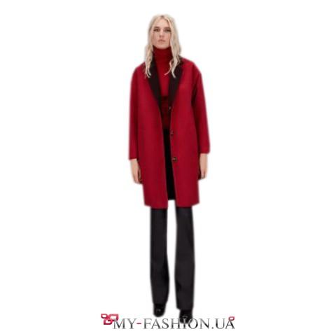Женское демисезонное пальто бордового цвета