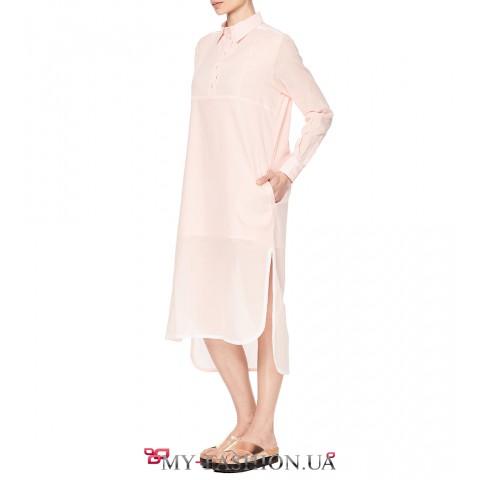 Розовое платье свободного силуэта