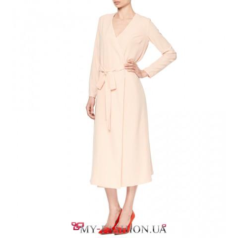Очаровательное розовое платье на запах
