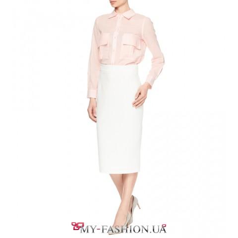 Классического кроя юбка карандаш в белом цвете