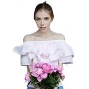 Легкая женственная блузка с рюшем