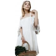 Короткое белое платье свободного силуэта