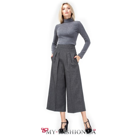 Стильные женские брюки свободного силуэта