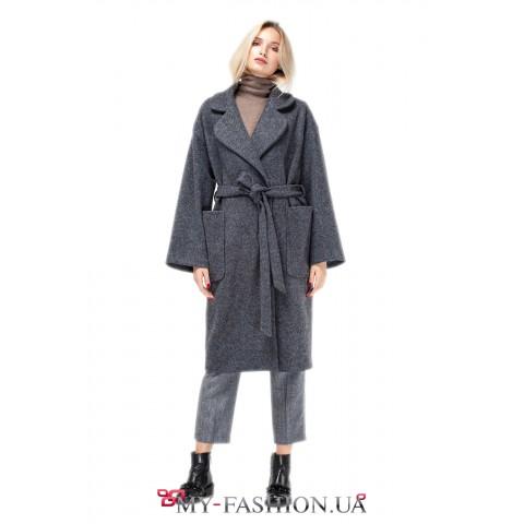 Стильное женское пальто с английским воротником