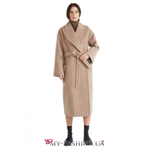 Очаровательное зимнее пальто с английским воротником