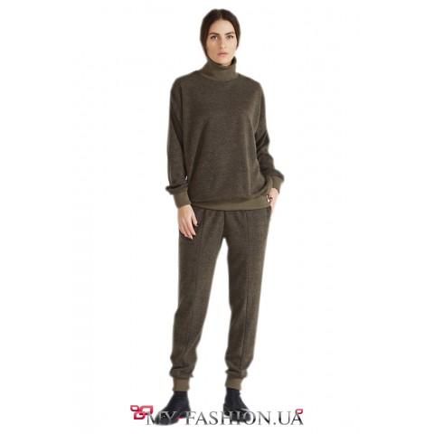 Теплые брюки из ангоры зауженные к низу