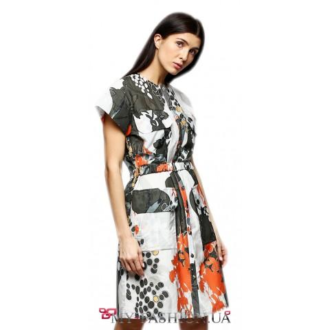 Оригинальное платье прямого силуэта
