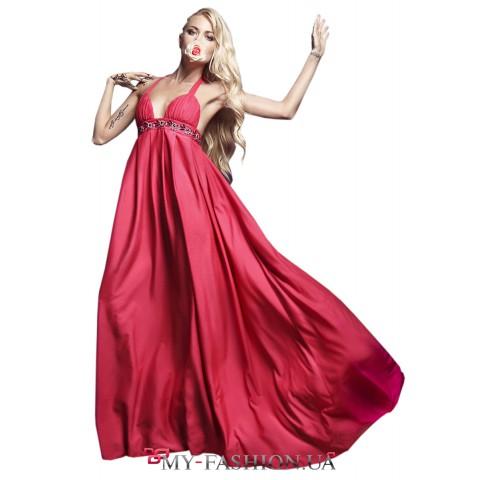 Длинное розовое платье с завышенной талией