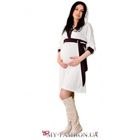 Дизайнерское платье с капюшоном для будущей мамы