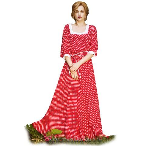 Красное дизайнерское платье максимальной длины