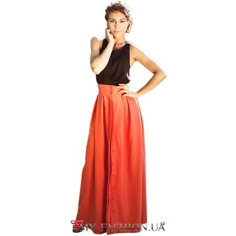 Длинная хлопковая юбка на пуговицах красного цвета