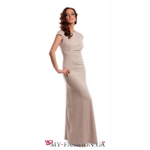 Роскошное длинное платье с открытой спинкой