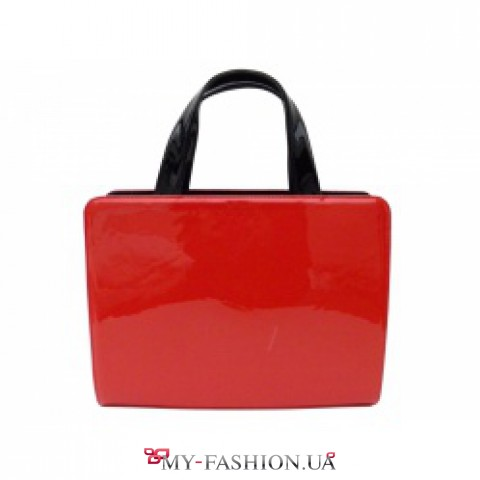 Удобная женская сумка из натуральной лаковой кожи