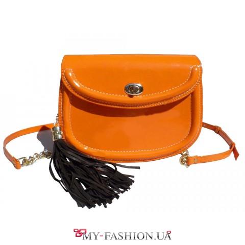 Яркая летняя сумочка оранжевого цвета