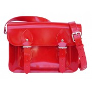Красная лаковая сумка из кожи