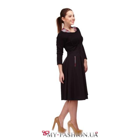 Комбинированное чёрное платье с расклешённой юбкой