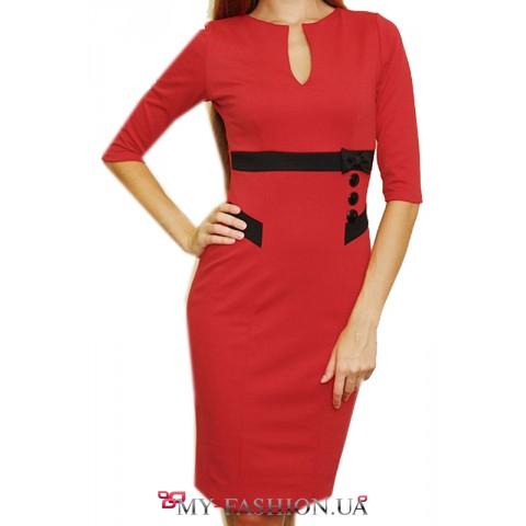 Красное короткое платье с пояском