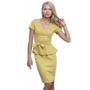 Жёлтое трикотажное платье с поясом