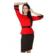 Красное привлекательное платье с облегающей юбкой