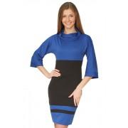 Контрастное трикотажное платье сине- черного цвета с воротником хомут