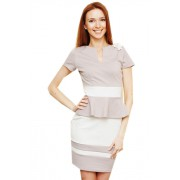 Серое короткое платье с контрастными вставками и белым поясом