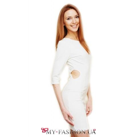 Белое платье дырочками
