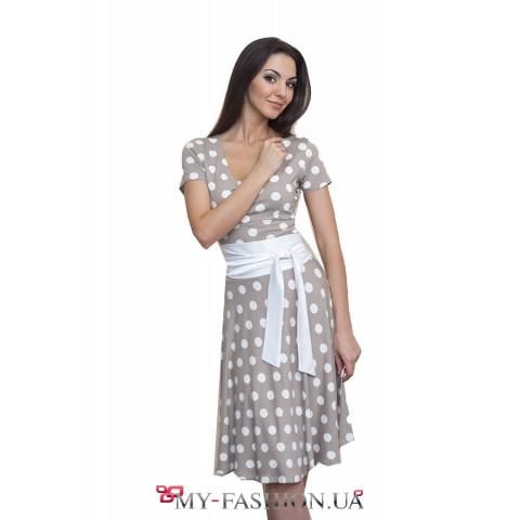 Трикотажное платье в белый горошек