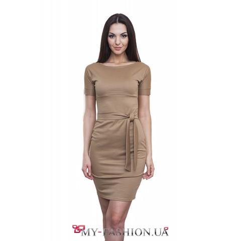 Платье для офиса с длинным поясом