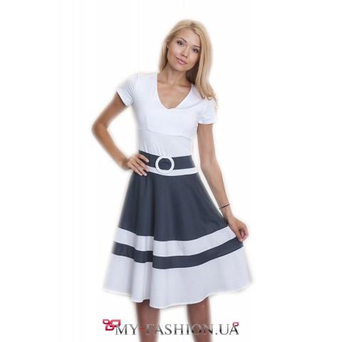 Красивое трикотажное платье с поясом