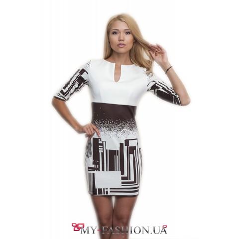 Трикотажное платье-футляр с принтом города