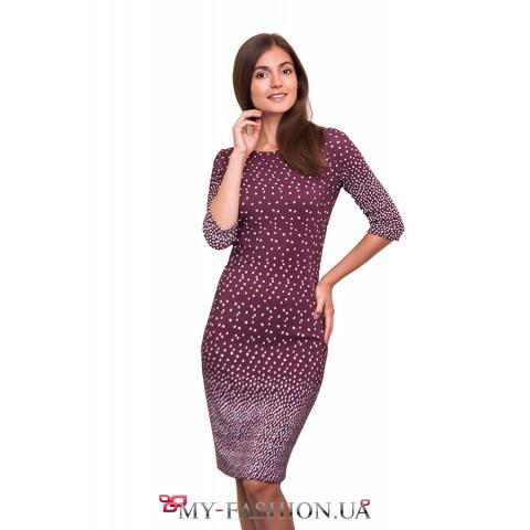 Привлекательное платье-футляр с принтом
