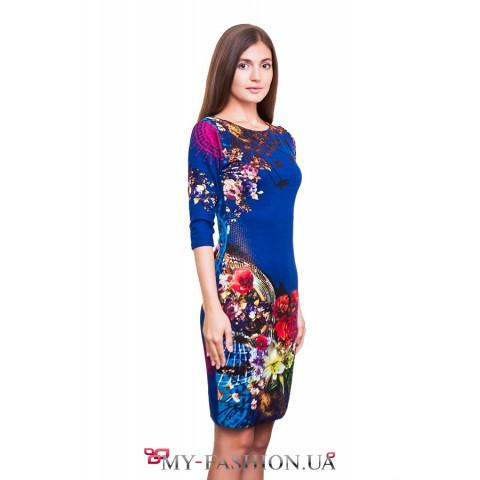 Восхитительное яркое платье с цветами