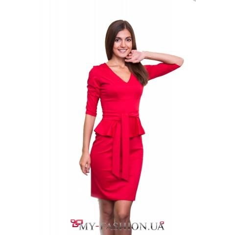 Красное деловое платье из трикотажа