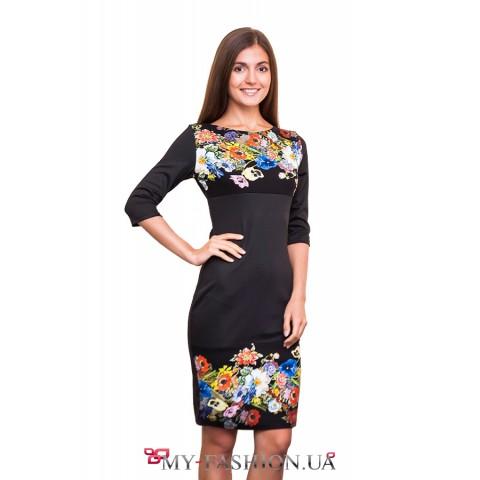 Платье-футляр средней длины с цветами