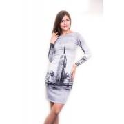 Стильное платье с принтом города